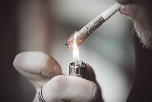 drugabuse_shutterstock-259315754-smoking-joint-FI.jpg (500×335)